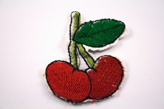Iron-on patch - Cherry - dimensions 4,7 cm x 5,5 cm