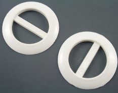 Plastic clothing buckle - gray - pulling hole width 3,1 cm - diameter 4,6 cm