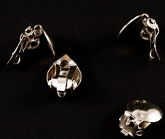 Clip on earring backs - silver - dimensions 1,5 cm x 1 cm