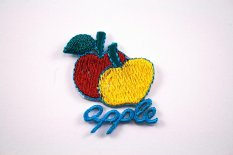 Iron-on patch - Apple - dimensions 3,3 cm x 3,8 cm
